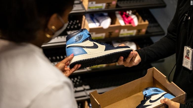 Nike Wants to Resell Your (lightly) Worn Shoes in Select Nike Stores