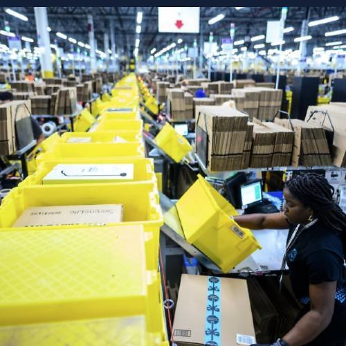 Amazon Is Turning Disused Shopping Malls Into Fulfillment Centers