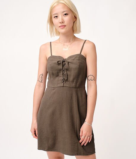 Solid Sweetheart Lace-Front Slim Dress***