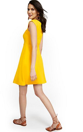 Button-Back Fit and Flare Dress (8 Colors)