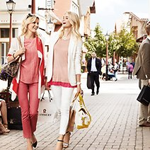 9 Tips to Get the Best Deals While Outlet Shopping