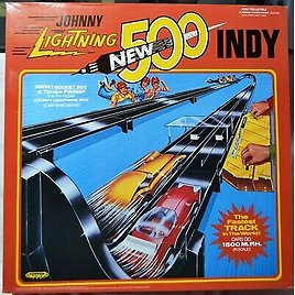Johnny Lightning Rocket 500 Indy Race Track with 2 Cars 1970 Style Topper Toys