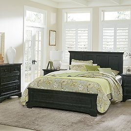 OSP Home Furnishings Farmhouse Basics Queen Bed with 2 Nightstands and 1 Chest