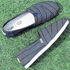 TOMS Shoes