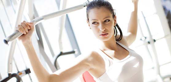 6 Ways to Get a Good Workout At the Gym When It's Packed