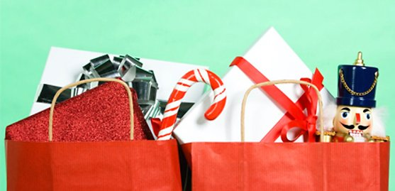 8 Shopping Tips to Make Holiday Shopping More Bearable